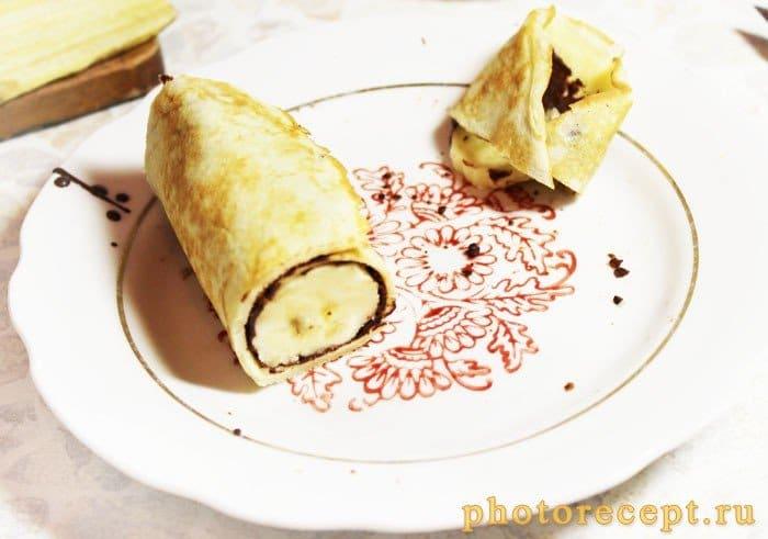 Фото рецепта - Блины с бананом и шоколадом - шаг 6