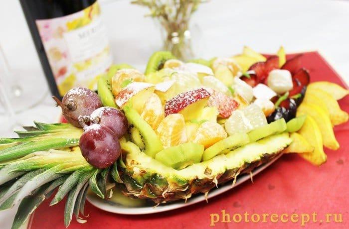 Фото рецепта - Фрукты в ананасе-Рог изобилия - шаг 7