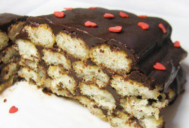 Итальянский десерт с печеньем савоярди и шоколадным кремом