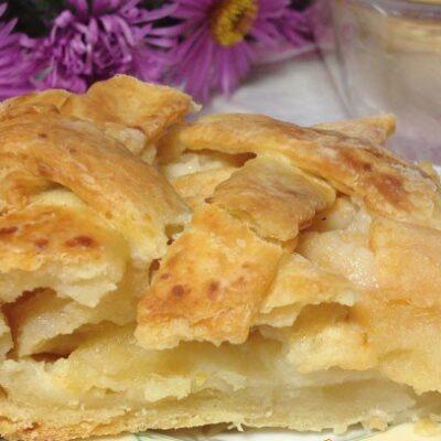 Пирог с яблоками и медом - рецепт с фото