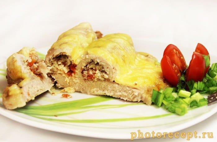 Фото рецепта - Антрекот, запеченный с орехами и помидорами - шаг 7