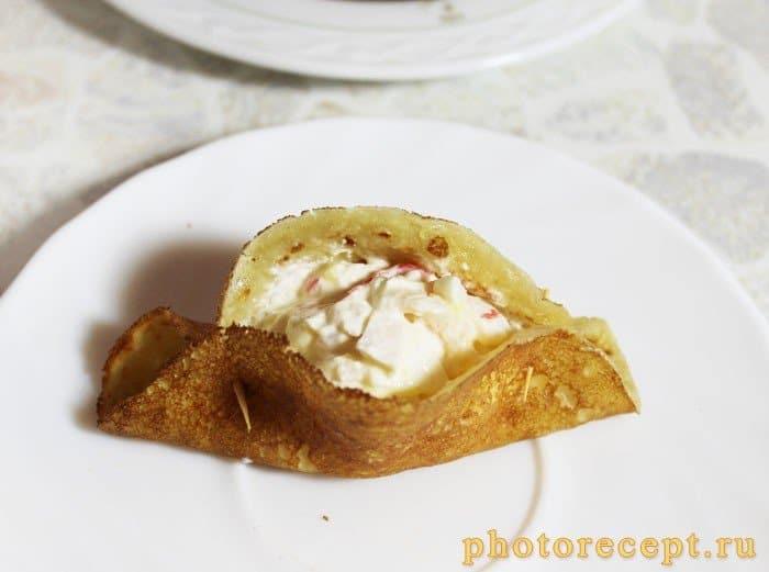 Фото рецепта - Блины, фаршированные морепродуктами - шаг 5