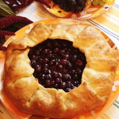 Галета с виноградом - рецепт с фото