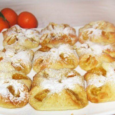 Творожные конвертики с мандаринами (булочки) - рецепт с фото