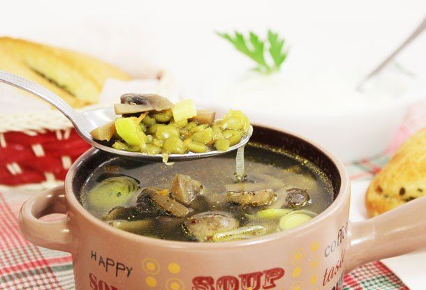 Гороховый суп с  шампиньонами
