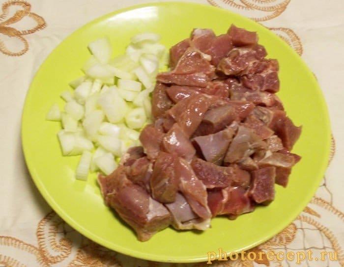 Фото рецепта - Макароны со свининой, на скорую руку - шаг 1