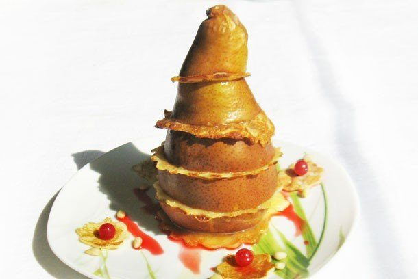 Запеченная груша с сыром и орешками