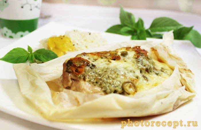 Фото рецепта - Шницель с соусом песто под сыром - шаг 9