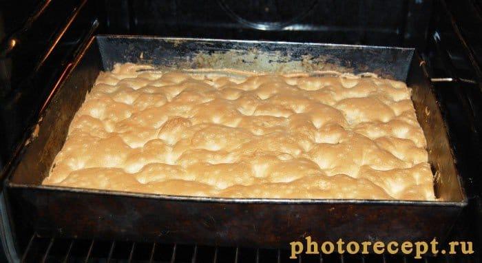 Фото рецепта - Бисквит с яблоками и тыквой - шаг 10
