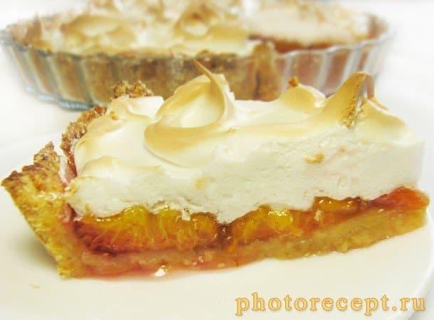 Пирог со сливами и итальянской меренгой - рецепт с фото