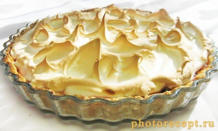Фото рецепта - Пирог со сливами и итальянской меренгой - шаг 13