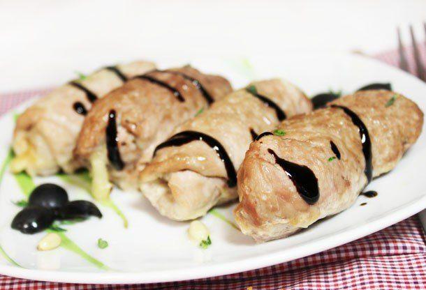 Крученики из свинины с сыром и кедровыми орешками