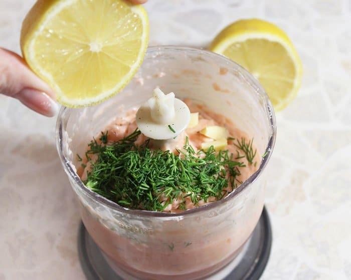 Фото рецепта - Тарталетки с нежным муссом из красной рыбы - шаг 3