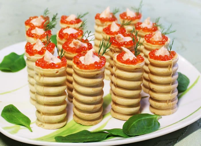 Фото рецепта - Тарталетки с нежным муссом из красной рыбы - шаг 5