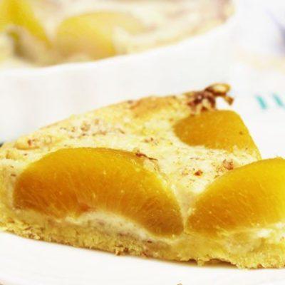 Пирог с персиками, маскарпоне и миндалем - рецепт с фото