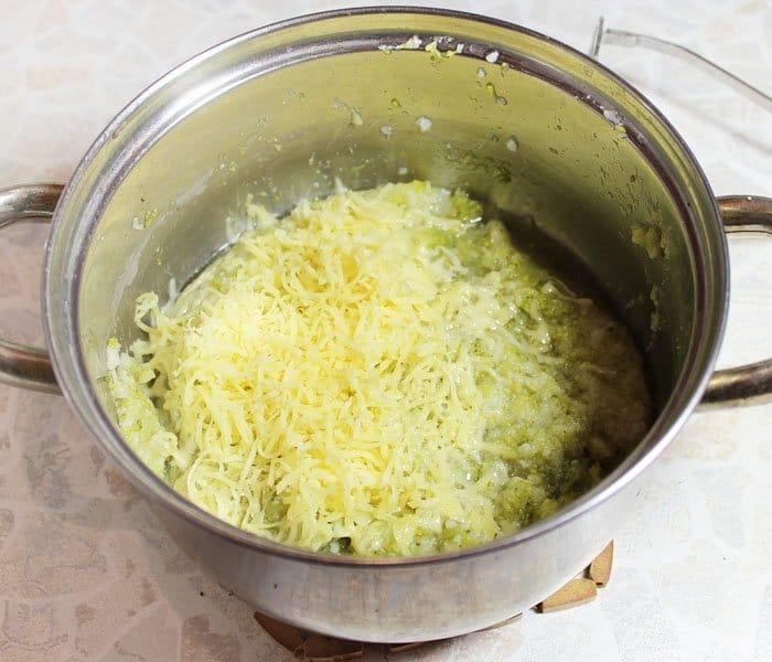 Фото рецепта - Каннеллони с брокколи и цветной капустой под томатным соусом - шаг 6