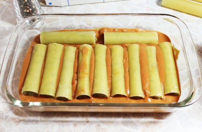 Фото рецепта - Каннеллони с брокколи и цветной капустой под томатным соусом - шаг 8