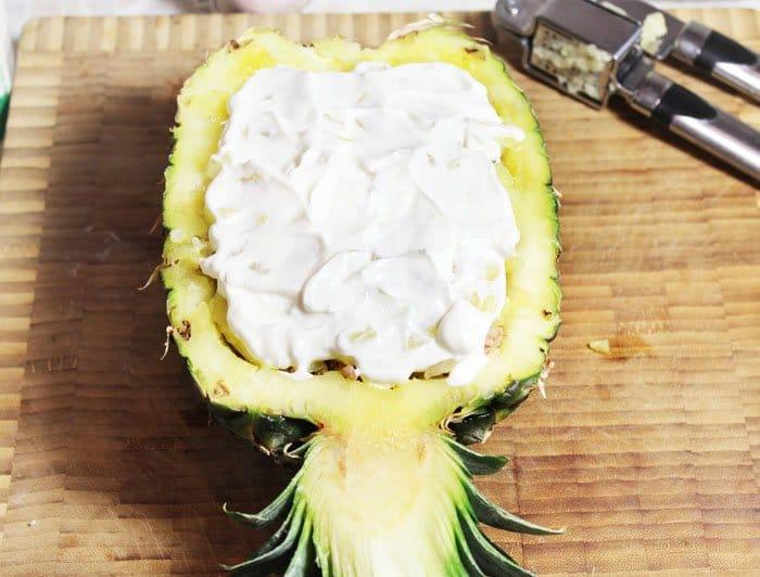 Фото рецепта - Запеченный ананас с фаршем под сырной корочкой - шаг 8