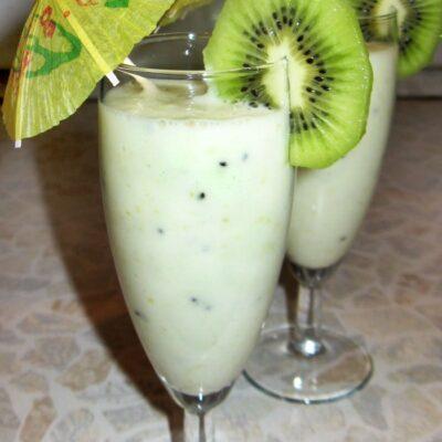 Молочный грушевый коктейль с киви - рецепт с фото