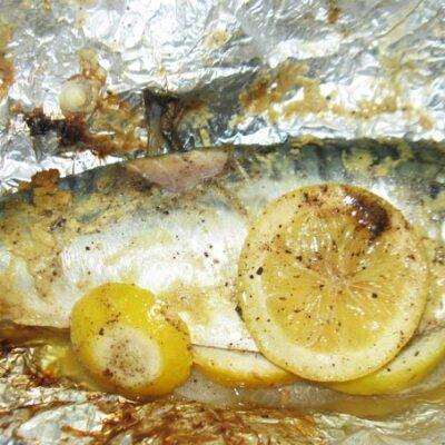 Шашлык из скумбрии в фольге - рецепт с фото