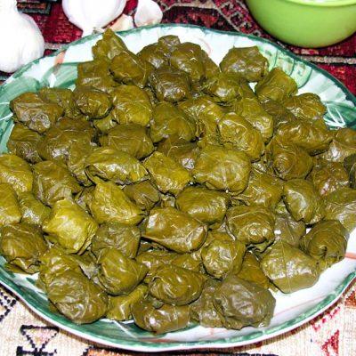 Фаршированные листья винограда (Далма) - рецепт с фото