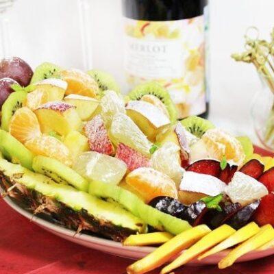 Фрукты в ананасе-Рог изобилия - рецепт с фото