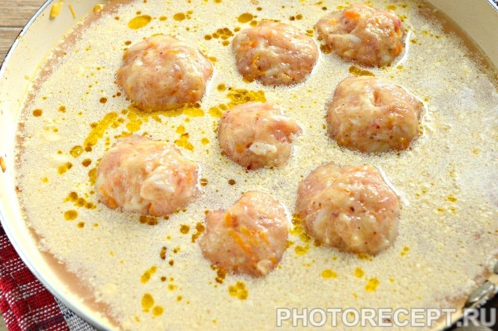 Фото рецепта - Тефтели из куриной грудки с овощами - шаг 10