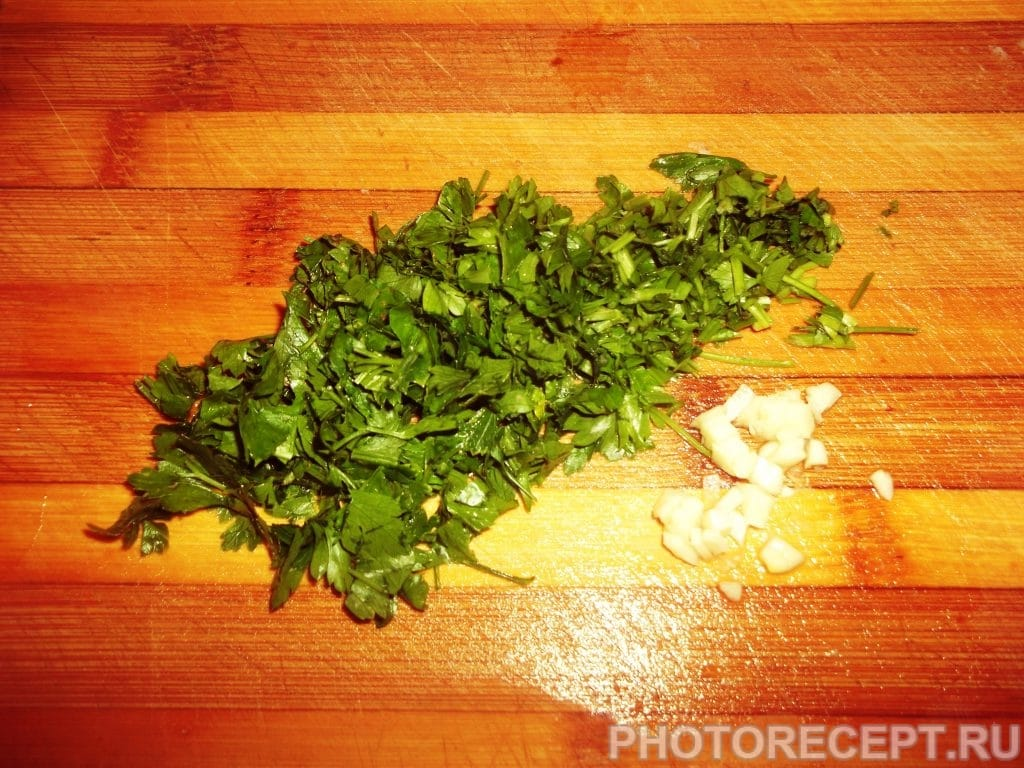 Фото рецепта - Классический борщ с фасолью - шаг 11