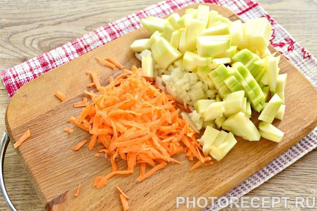 Фото рецепта - Гуляш из фарша с овощами - шаг 2