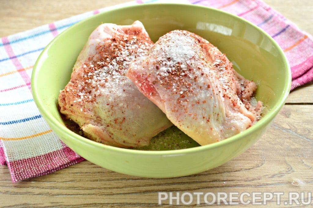 Фото рецепта - Куриные бедрышки в сметане под сырной корочкой - шаг 2