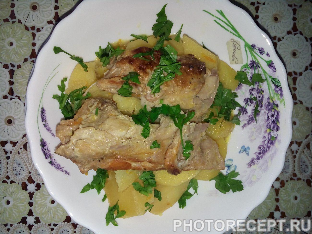 Тушеная картошка с мясом кролика в сметане