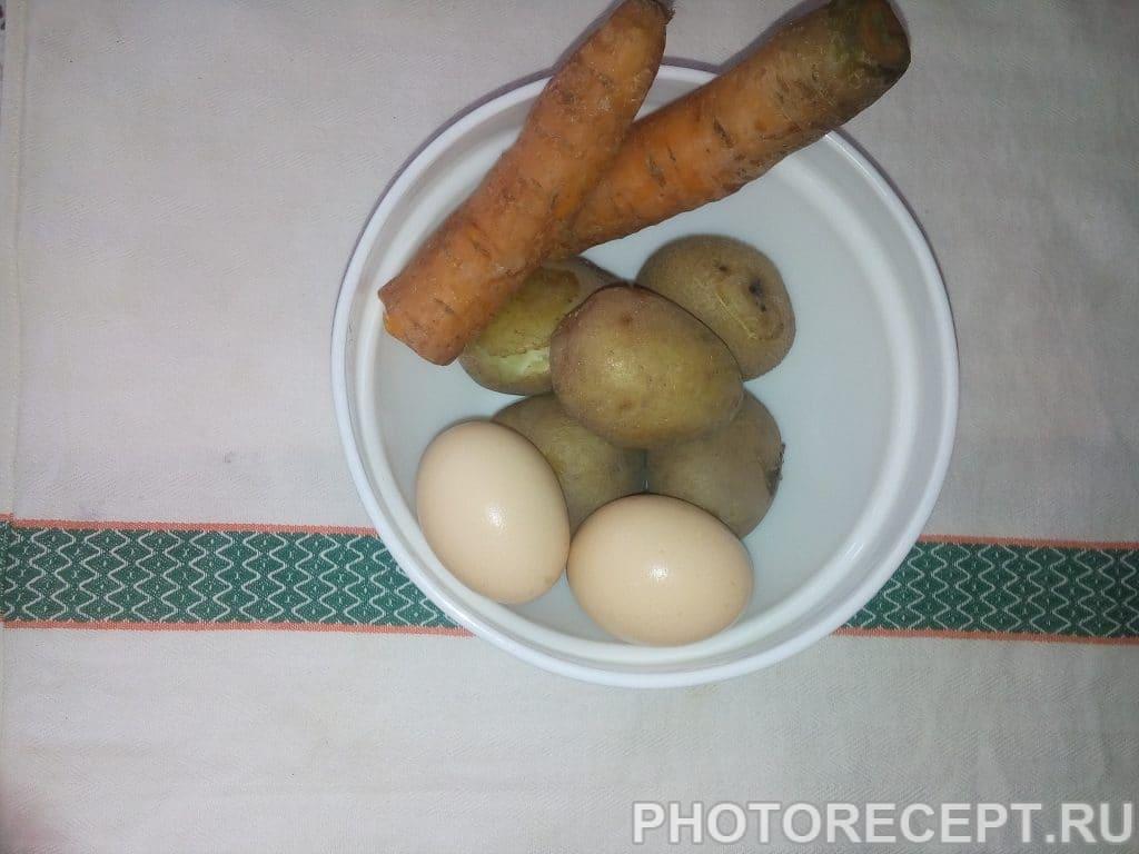 Фото рецепта - Традиционная Селедка под шубой семейный рецепт - шаг 1