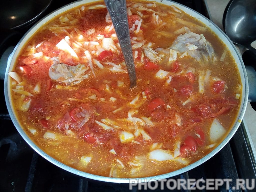 Фото рецепта - Несказанно вкусный борщ с фасолью - шаг 6