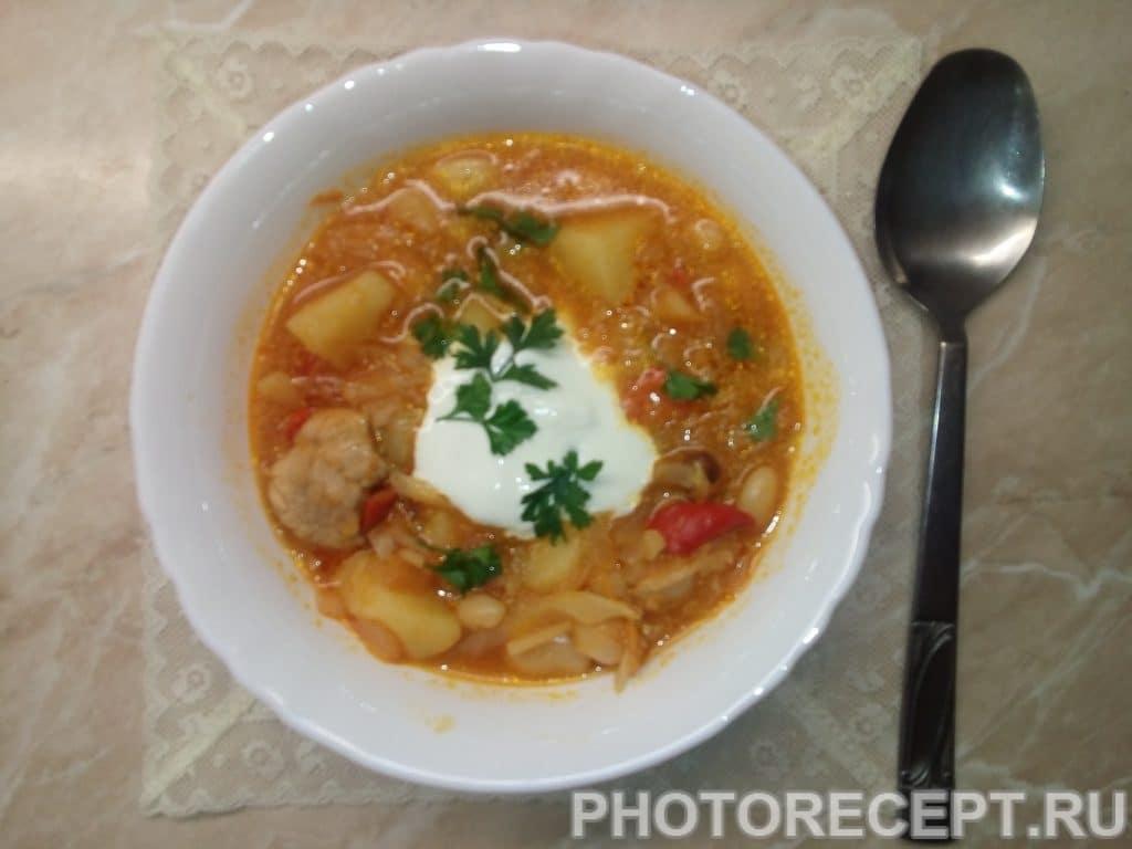 Фото рецепта - Несказанно вкусный борщ с фасолью - шаг 7