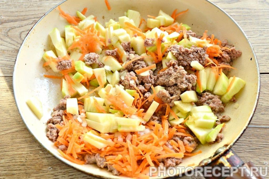 Фото рецепта - Гуляш из фарша с овощами - шаг 3