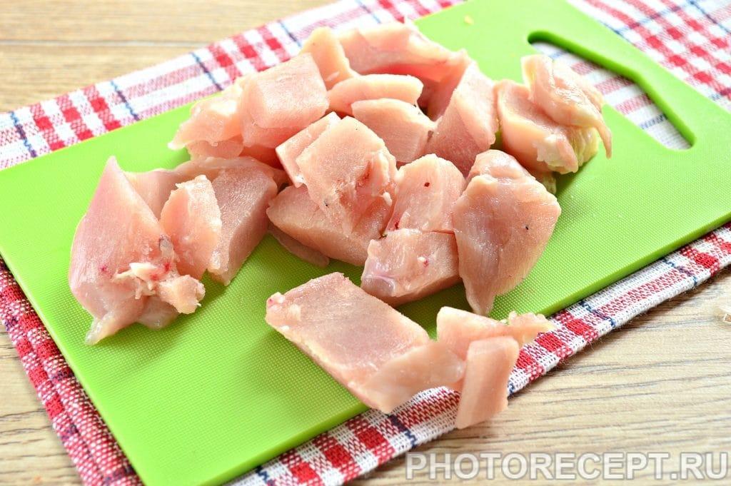 Фото рецепта - Тефтели из куриной грудки с овощами - шаг 3