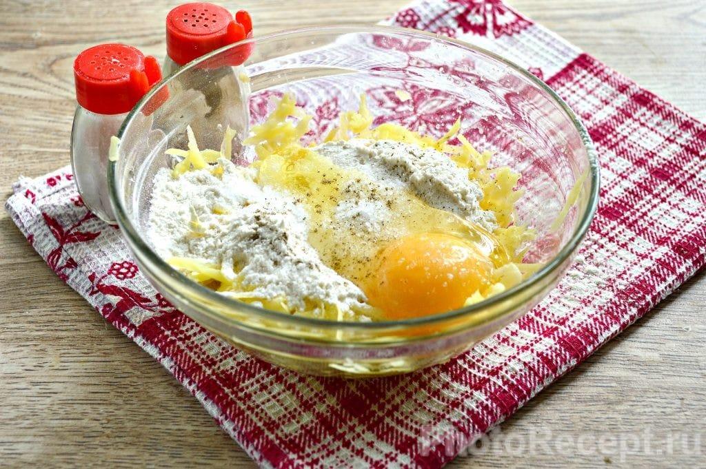 Фото рецепта - Драники из картофеля - шаг 5