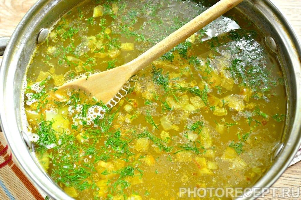Фото рецепта - Рассольник на мясном бульоне с солеными огурцами - шаг 7