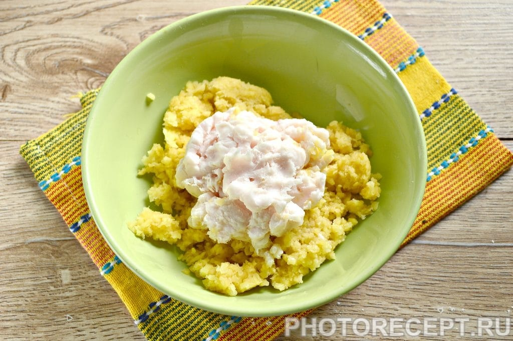 Фото рецепта - Вареники с картошкой и салом - шаг 5