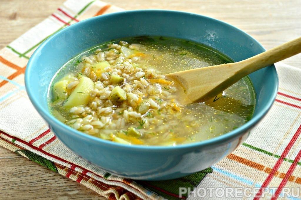 Фото рецепта - Рассольник на мясном бульоне с солеными огурцами - шаг 8