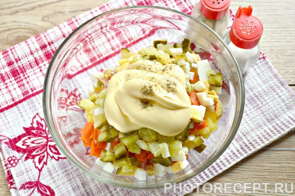 Фото рецепта - Оливье с вареной колбасой и солеными огурцами - шаг 6