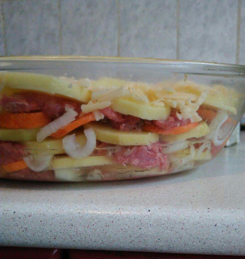 Фото рецепта - Картофельная запеканка с фаршем - шаг 6