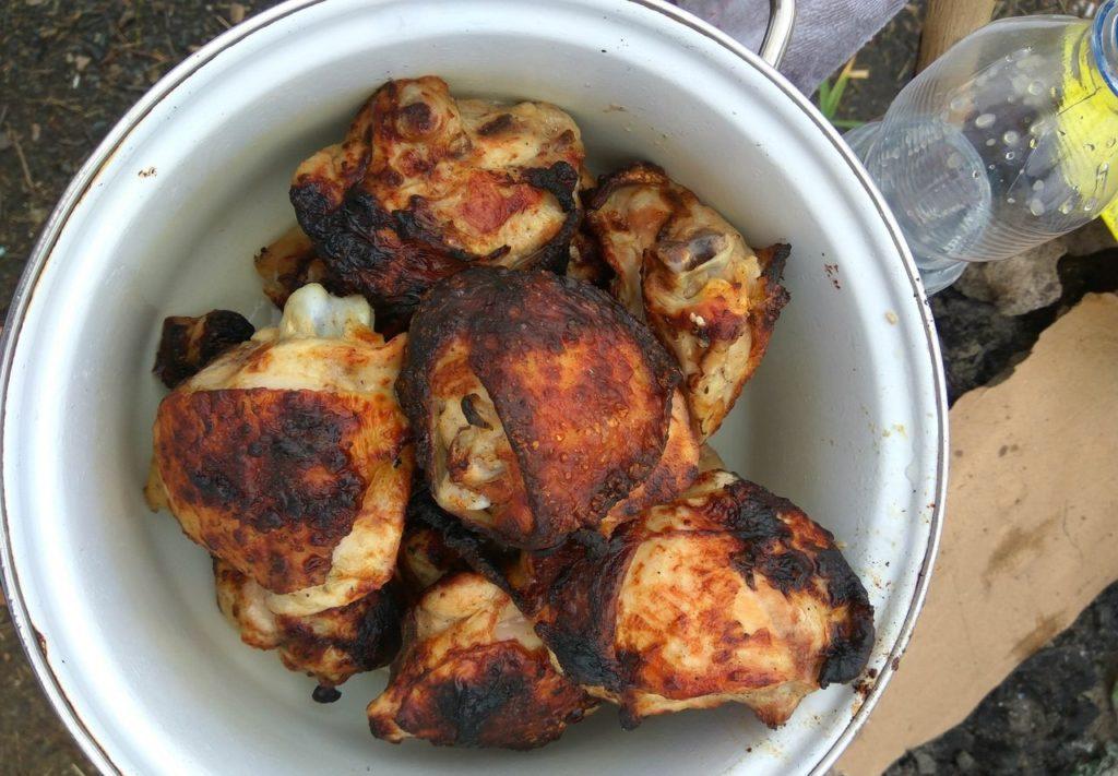 Фото рецепта - Шашлык из куриных бедер и голени - шаг 6