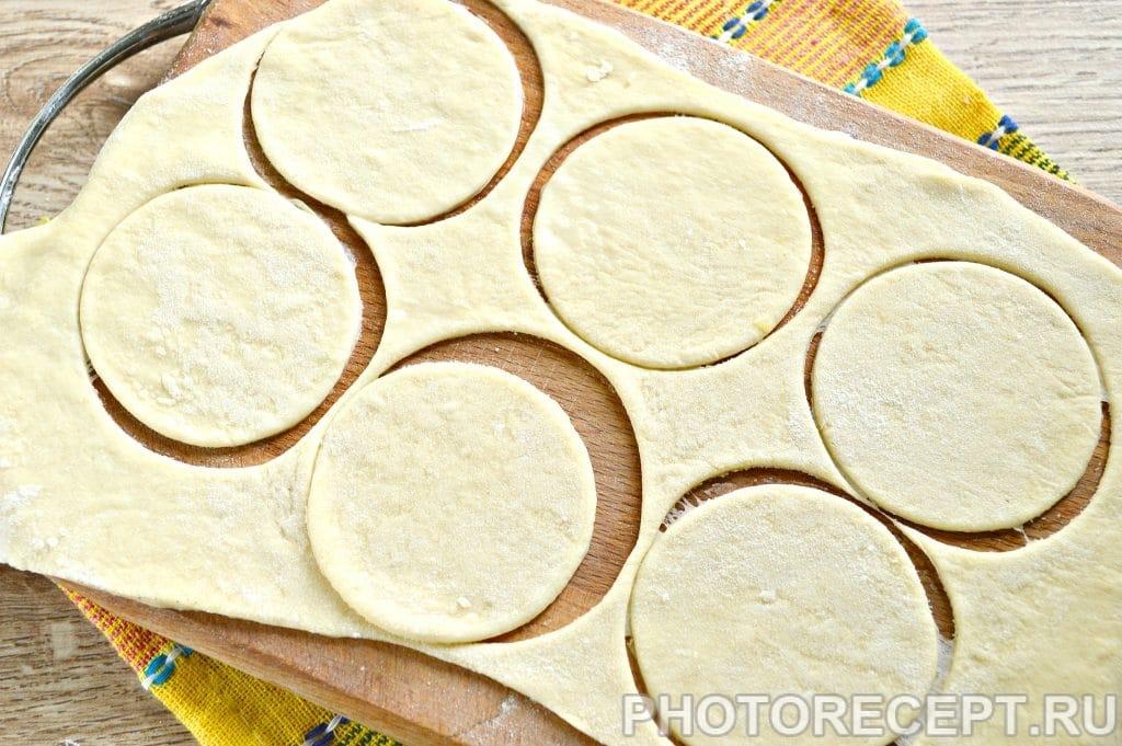 Фото рецепта - Вареники с картошкой и салом - шаг 7