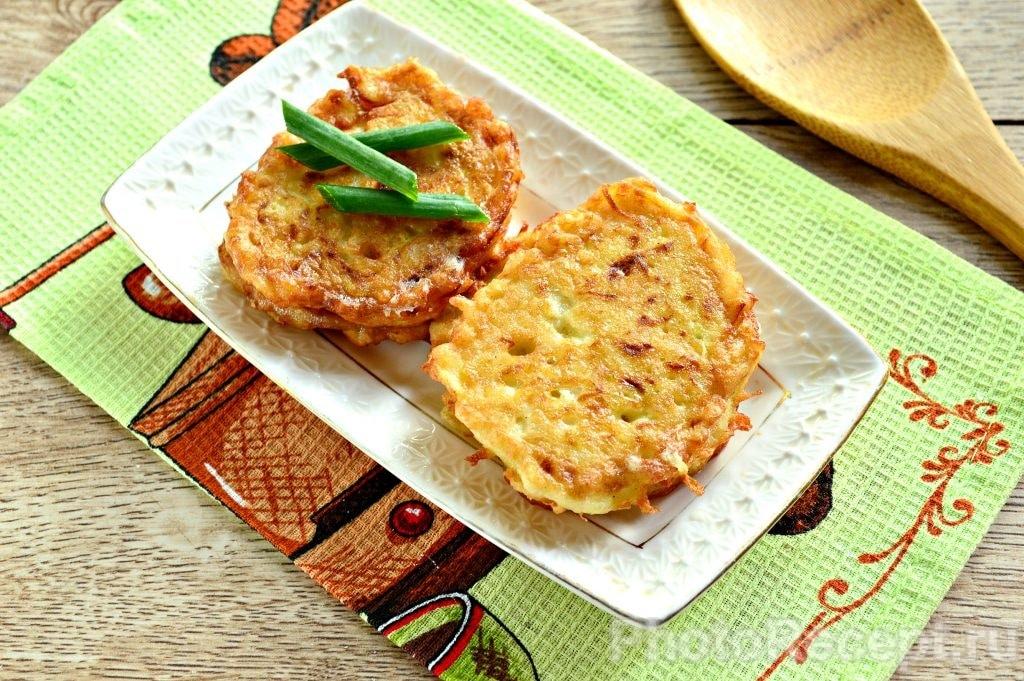 Фото рецепта - Оладьи из кабачка с рисом - шаг 8