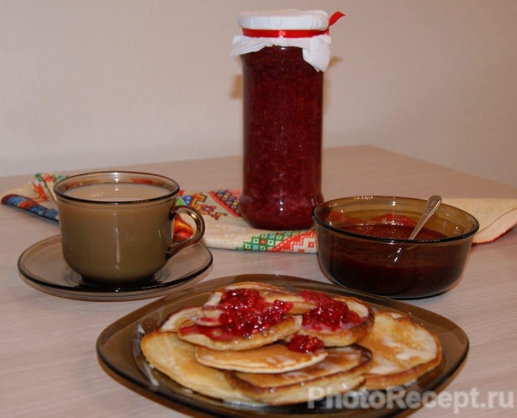 Фото рецепта - Ванильные оладьи на молоке - шаг 7