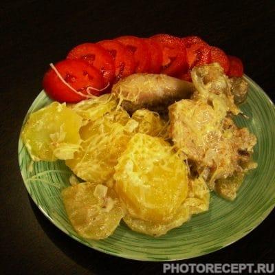 Курица с картошкой запеченная в духовке - рецепт с фото