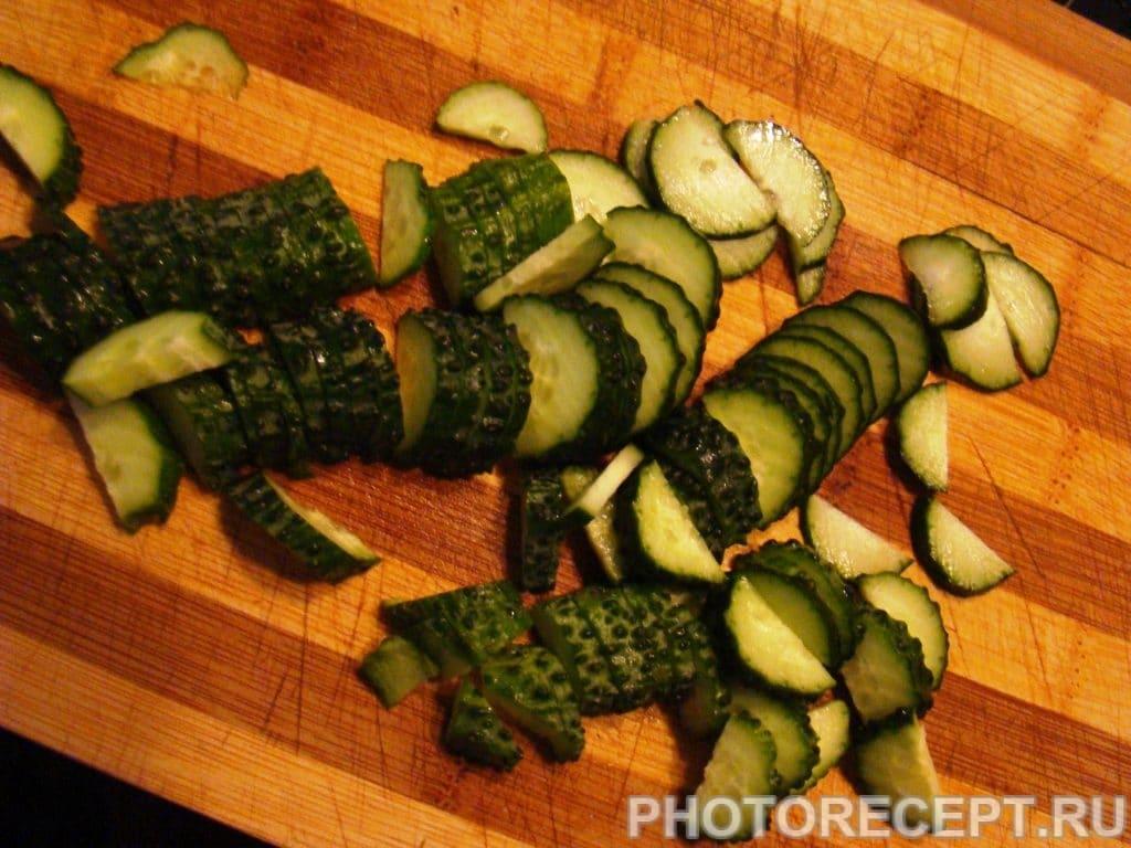 Фото рецепта - Салат из капусты с сухариками - шаг 5