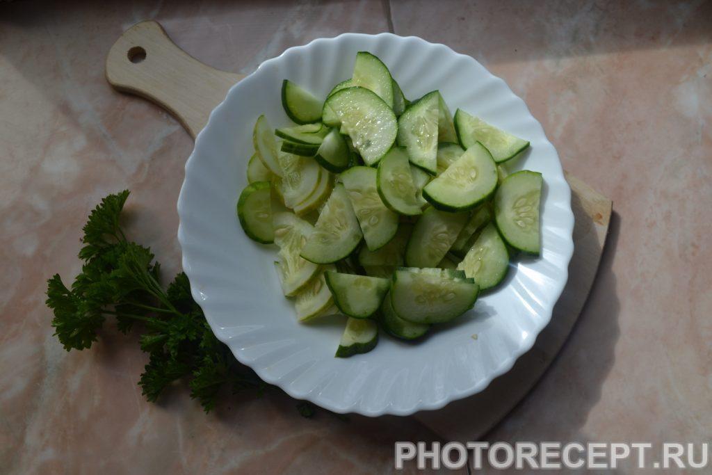 Фото рецепта - Греческий салат с оливками и домашней брынзой - шаг 3