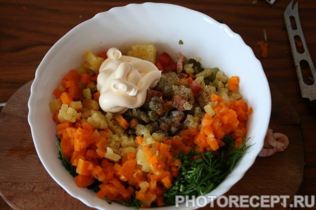 Фото рецепта - Салат с креветками оригинальный - шаг 10